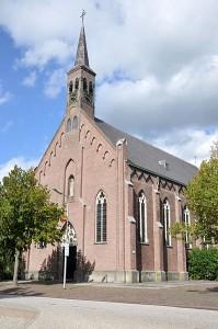 RK_Willibrorduskerk_Kerkdijk_1a_Hooge_Zwaluwe_rm_521501-199x300